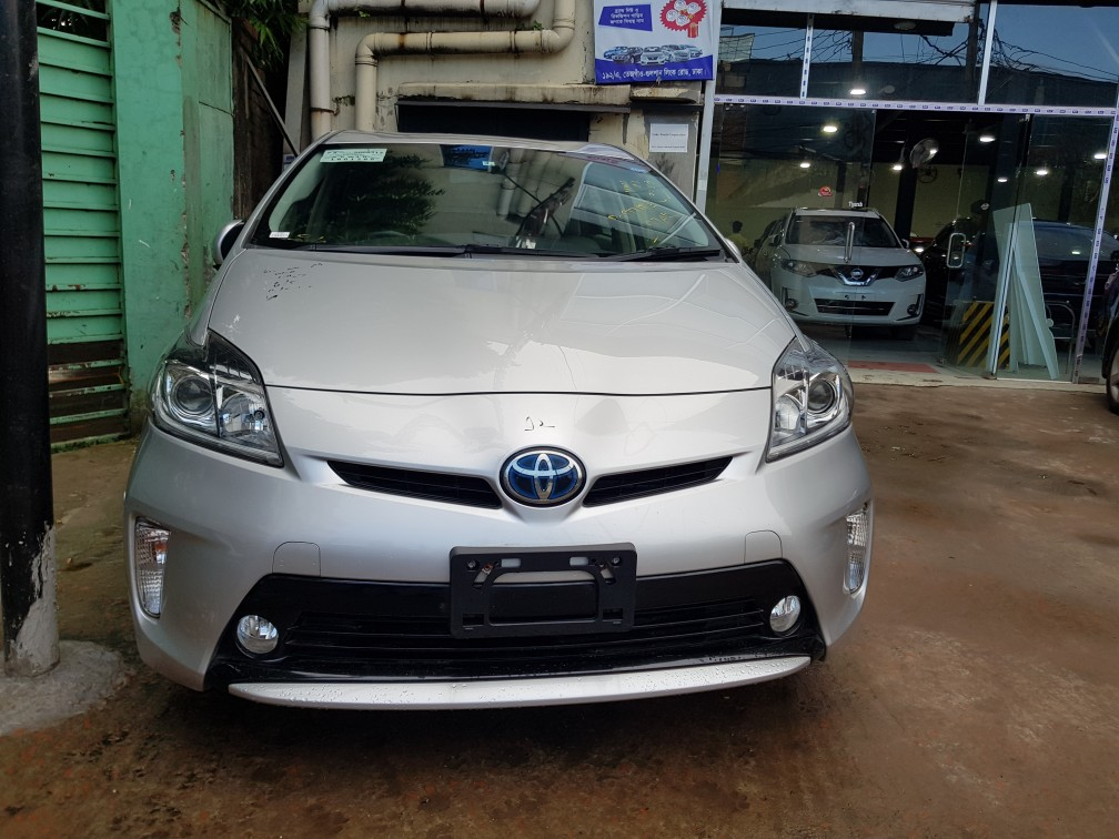 Toyota Prius G Touring EX Pearl LED LEATHER PACKAGE LTD